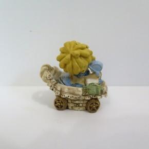 Figur Baby Anton im Stubenkorb klein